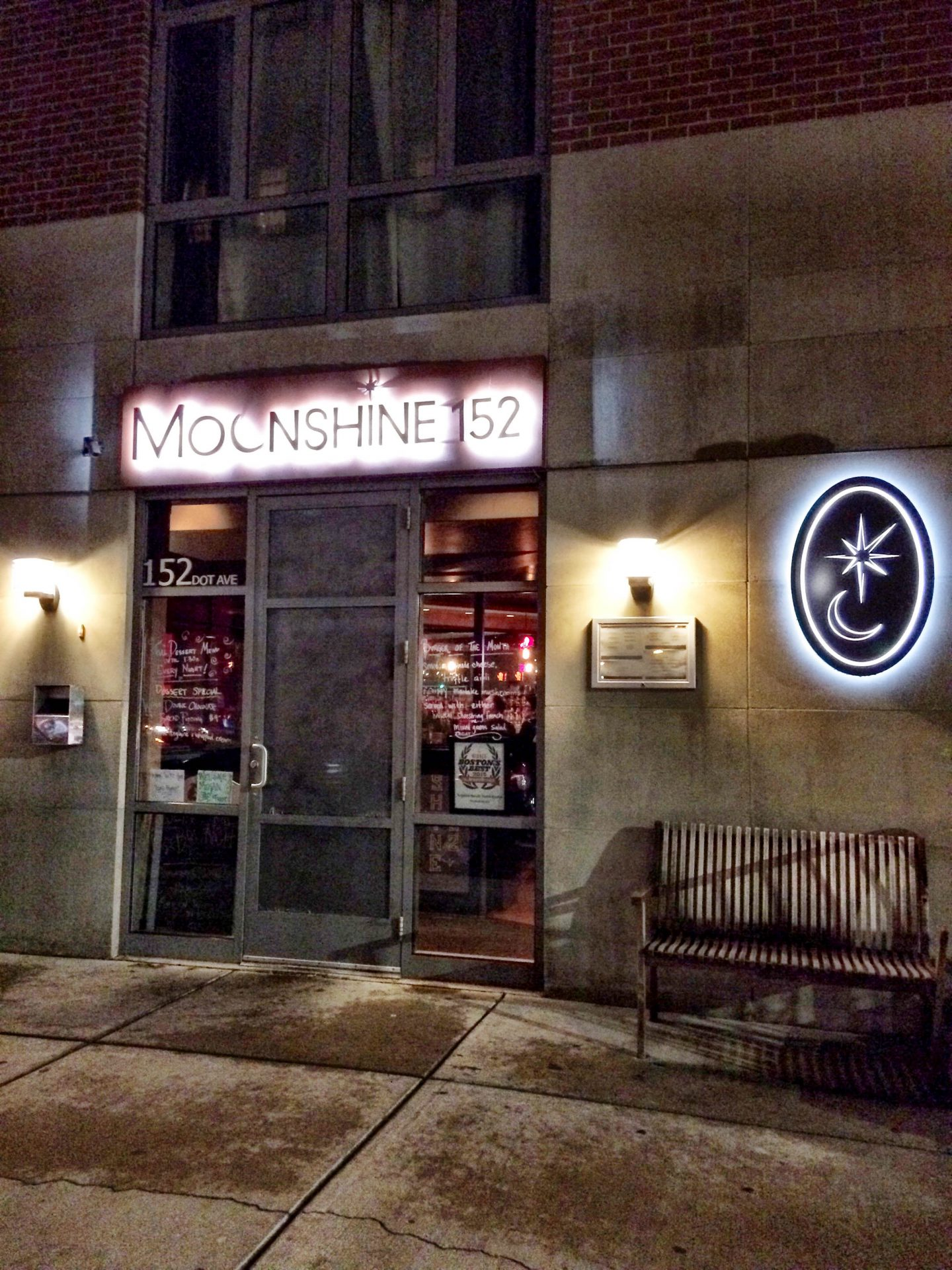 Boston Buzz: Moonshine 152