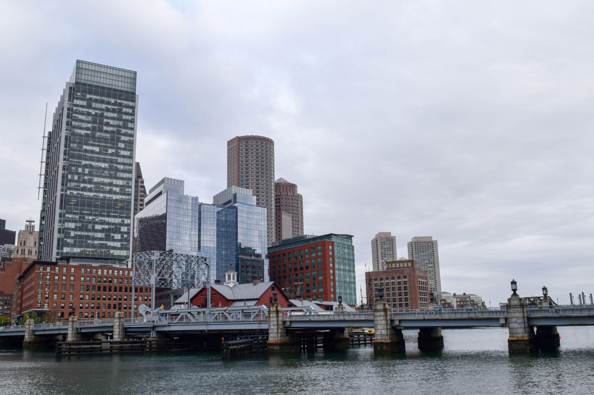 Boston Buzz Aloft Seaport Hotel A Stay In The Hotels Chic Party 11